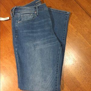 NWT Old Navy Curvy Straight Leg Jeans